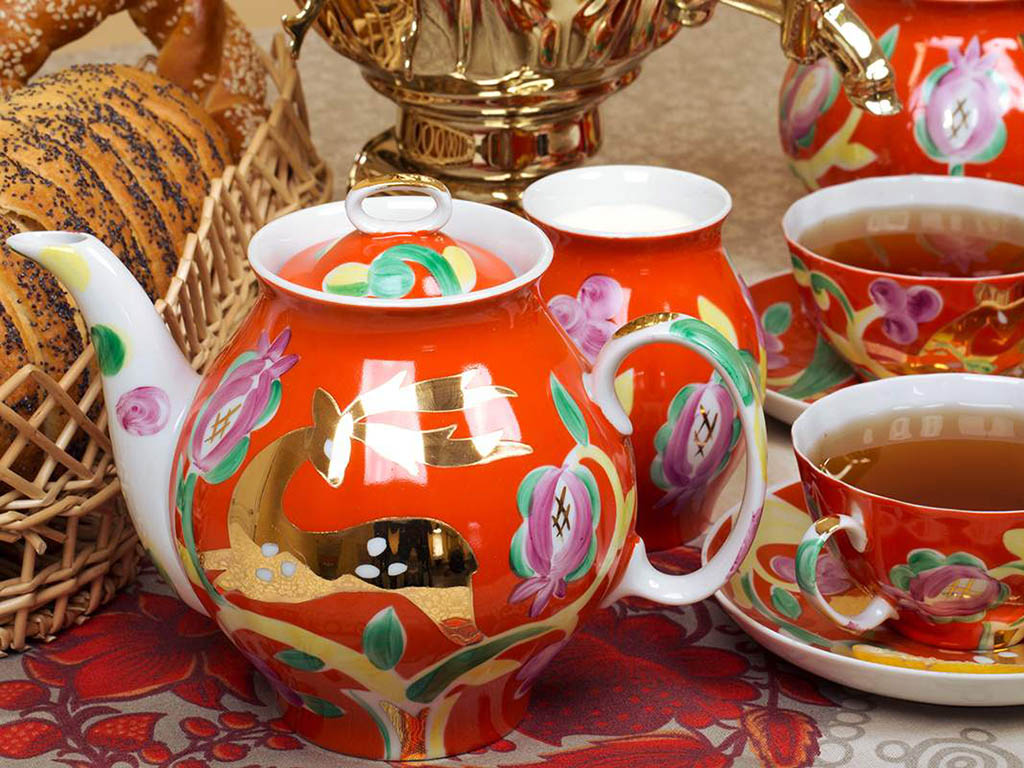 Фото Сервиз чайный Дулево Белый лебедь Золотой олень, 15 предметов