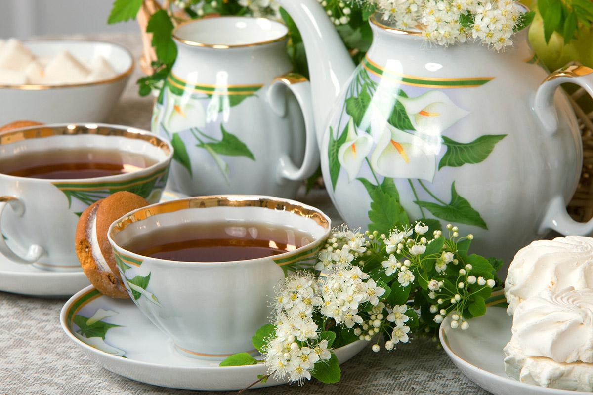 Фото Сервиз чайный Дулево Белый лебедь Каллы, 15 предметов