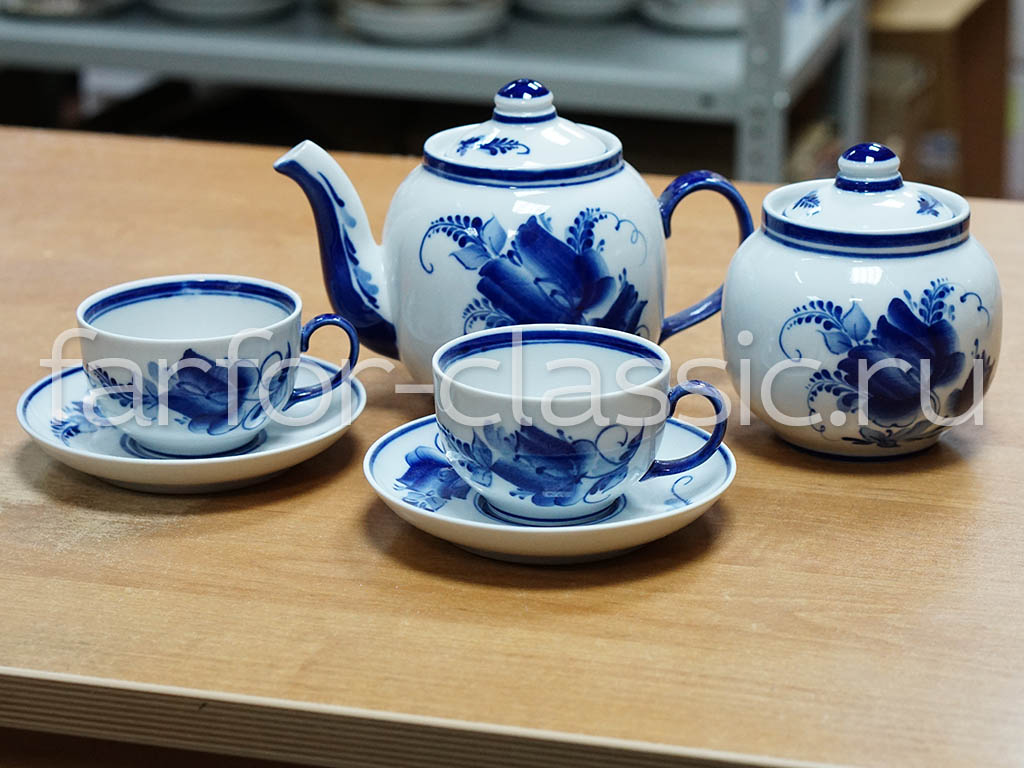 Фото Сервиз чайный Гжель, форма Янтарь, рисунок Тюльпан, 14 предметов на 6 персон