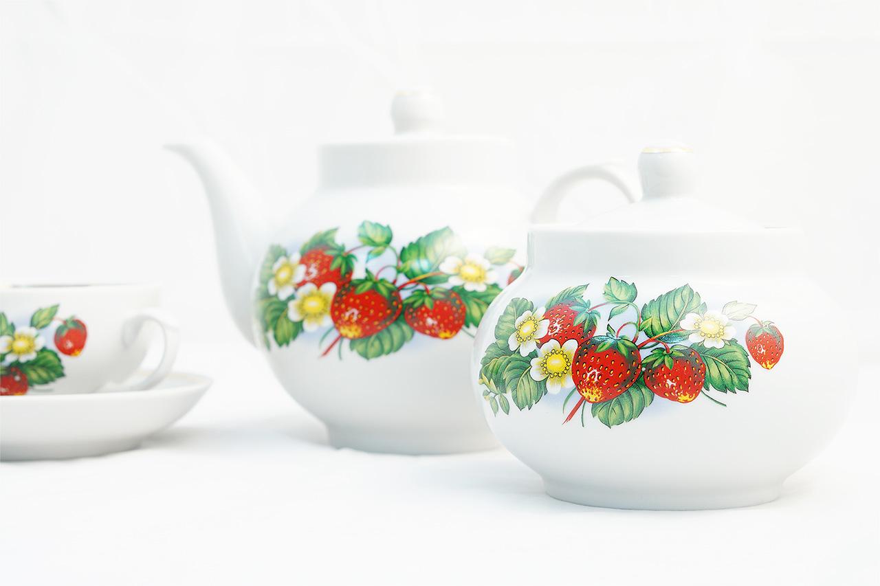 Фото Сервиз чайный Дулево Цветущая земляника, 14 предметов