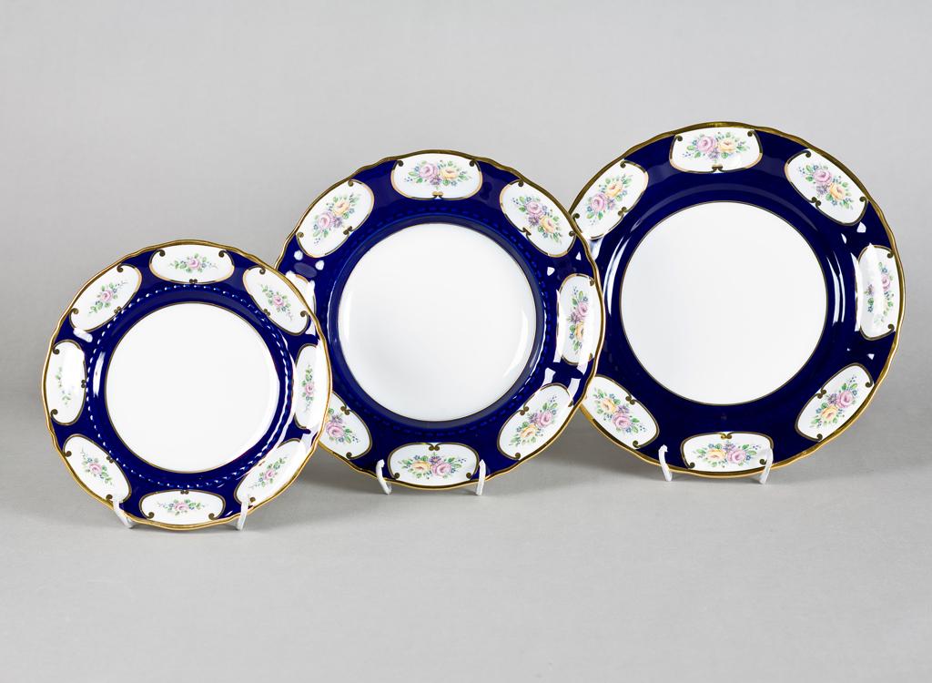 Фото Набор тарелок 18 предметов на 6 персон, Форма Соната Саксонская роза кобальт