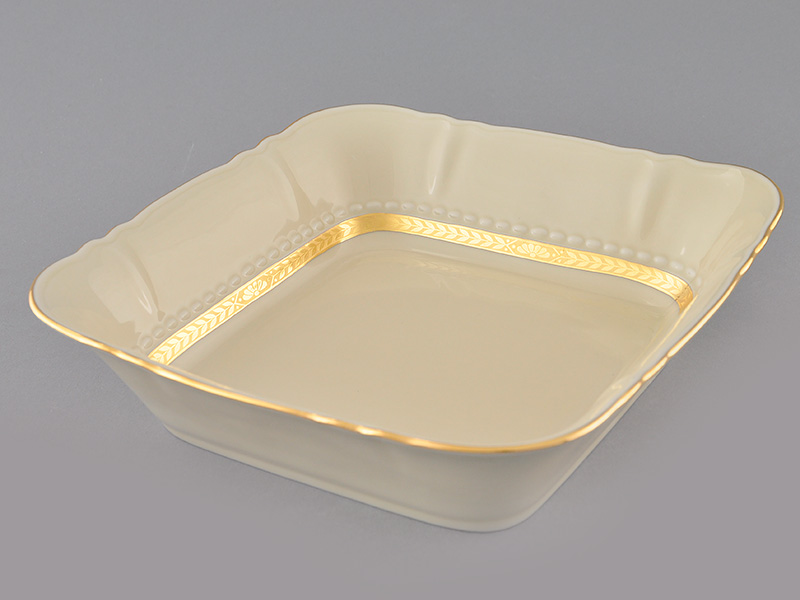 Фото Тарелка глубокая квадратная 25 см, Форма Соната Белиссима золото - Слоновая кость