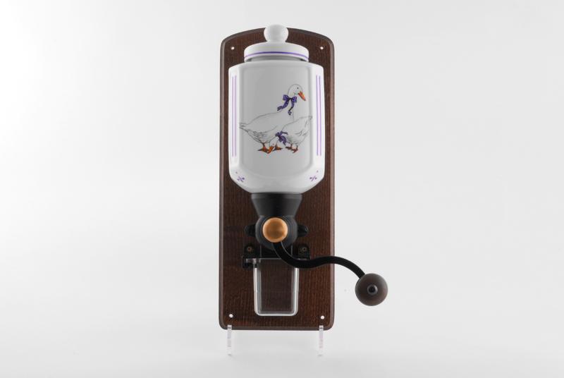 Фото Мельница для кофе настенная Форма Мэри-Энн Чешские гуси