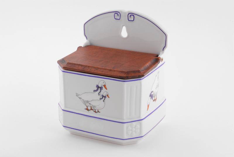Фото Шкатулка подвесная для специй на кухню 700 мл Форма Мэри-Энн Чешские гуси