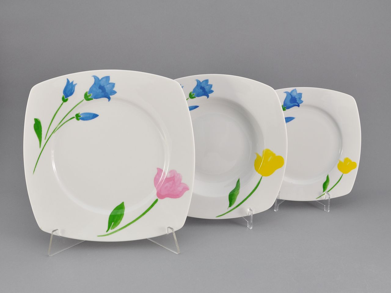 Фото Набор тарелок 18 предметов на 6 персон Форма Бьянка Тюльпан