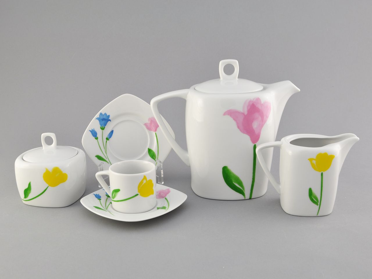 Фото Сервиз кофейный 15 предметов на 6 персон, чашки 100 мл, Форма Бьянка Тюльпан