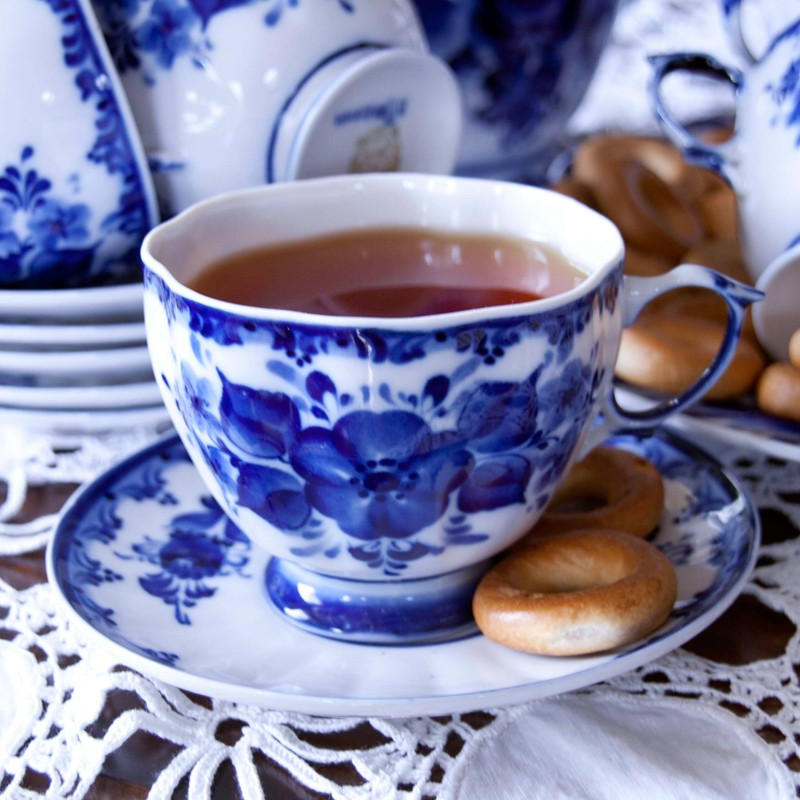 Фото Чашка чайная с блюдцем Гжель Лиза 330 мл